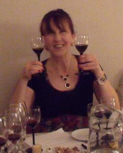 Carola considera cuál de los vinos es mejor