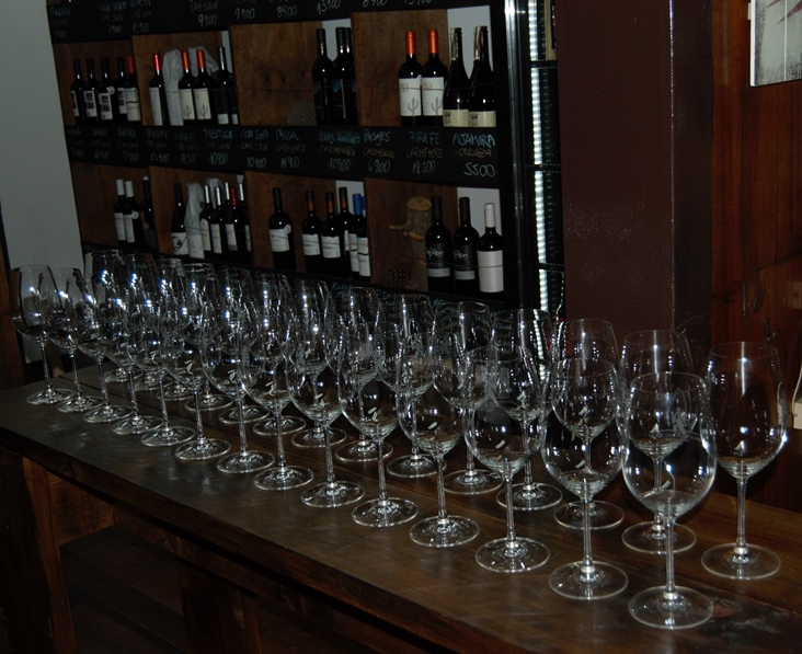 Glasses lined up for Cava del Pescador tasting