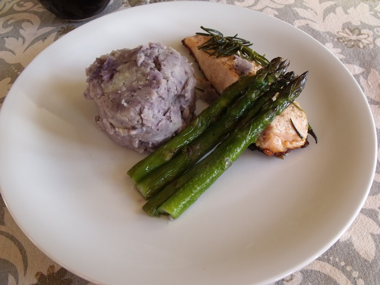 salmon fillet, crushed potatoes and asparagus